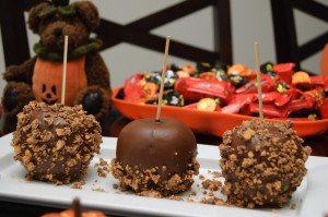 Chocolate-Peanut Butter Coated Apples