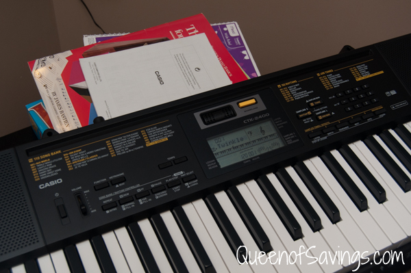 Casio CTK-2400 keyboard close