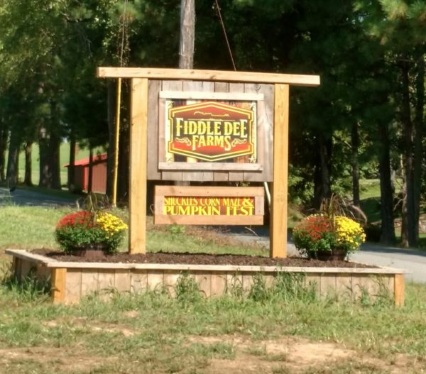 Shuckle Farms Sign